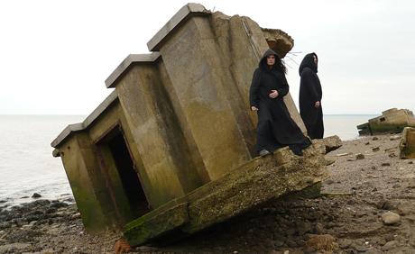 Gli Storm in visita agli stabili danneggiati dall'uragano.