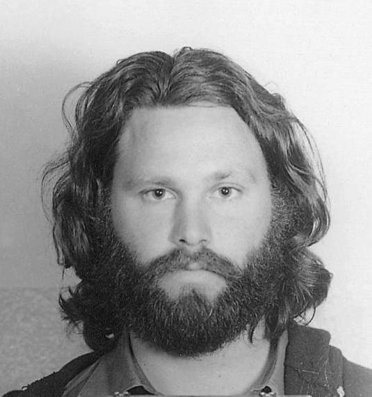 Una foto di Morrison durante la sua giovinezza scapestrata.